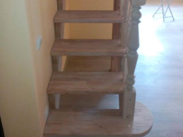 Деревянная лестница из ели
