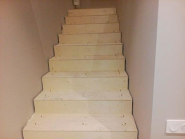 Деревянный каркас для лестницы